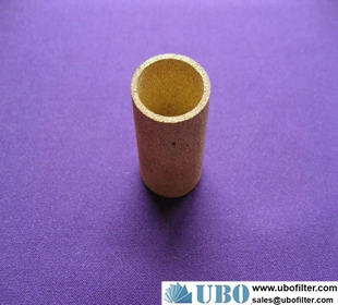 Sintered brass venting plug